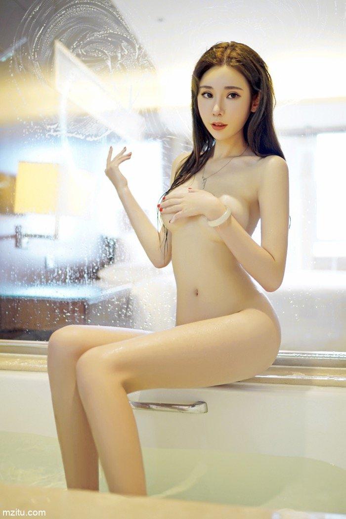 玲珑美人萌琪琪全袜写真涂抹奶油 娇美身体一览无遗