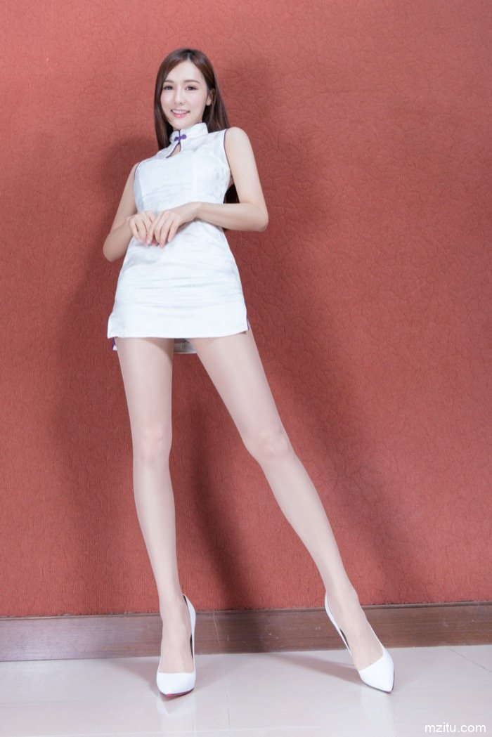 真·腿玩年! 台湾美女超短裙性感肉丝让人受不了