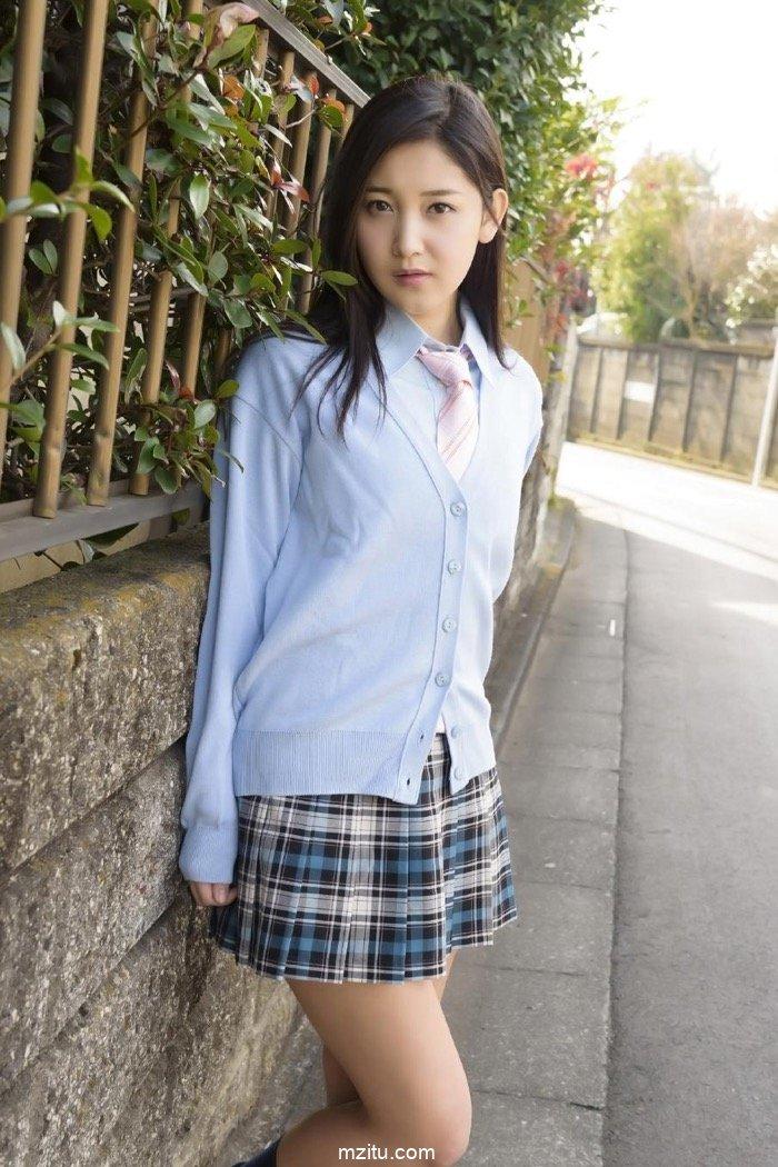 清纯学妹PK黑丝秘书 日本美女小岛美优制服诱惑花样百出