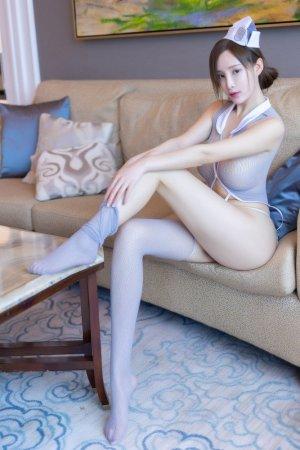 这胸超级大!巨乳尤物奶瓶土肥圆情趣制服顶级人体写真